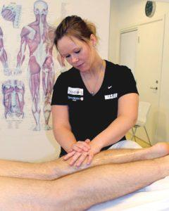 massør - massage af lægmuskler